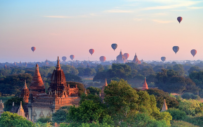 Wanderlust Tips Magazine | Bagan: Natural beauty blended with history