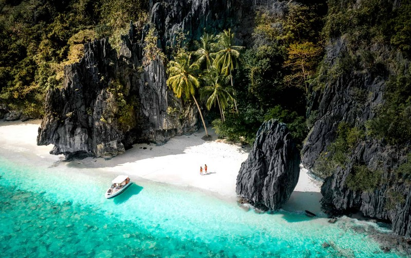 Wanderlust Tips Magazine | Palawan: Diving paradise in Philippines