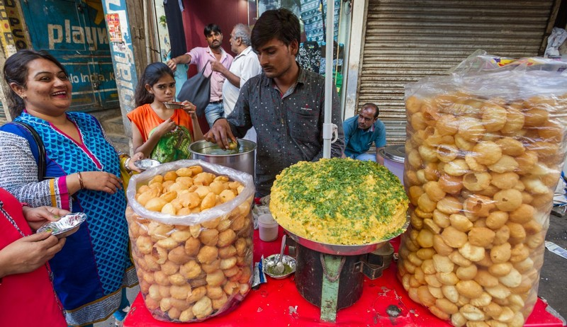 Wanderlust Tips Magazine | Five things to remember before eating street food