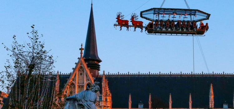 Santa in the sky: Belgian dinners served in a flying sleigh