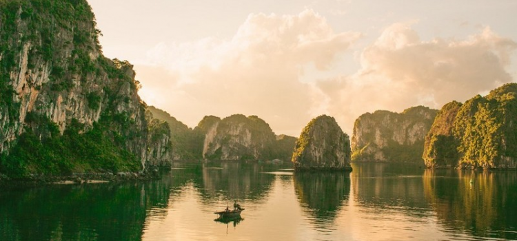 WhyVietnam campaign: Motivate the passion for travelling