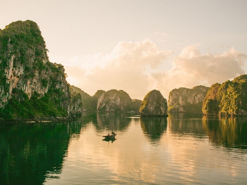Wanderlust Tips Magazine | Tran Thuong: I want to experience many things and capture every moment on the road