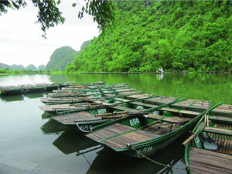 Wanderlust Tips Magazine | 8 ideal places to visit in Ninh Binh in the morning