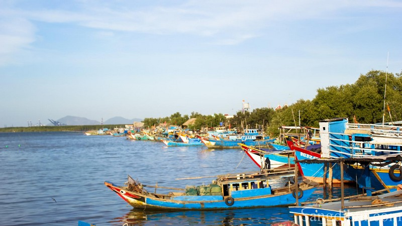 Wanderlust Tips Magazine | 8 must see places in HCMC in the morning