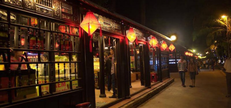 8 must visit places in Hue in the evening