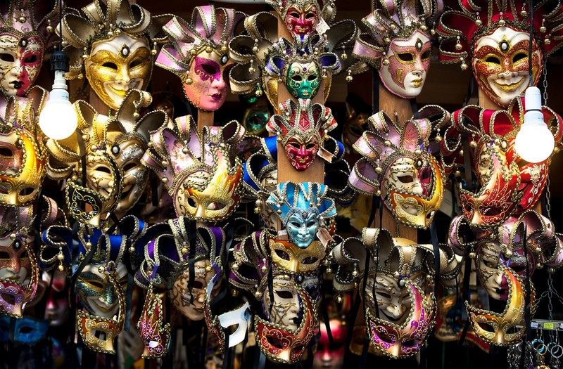 Wanderlust Tips Magazine | Behind the Venetian masks: Giving Souls to the Masks