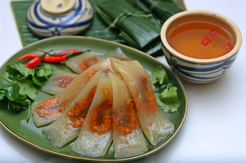 Wanderlust Tips Magazine | The most popular food to eat in Hue