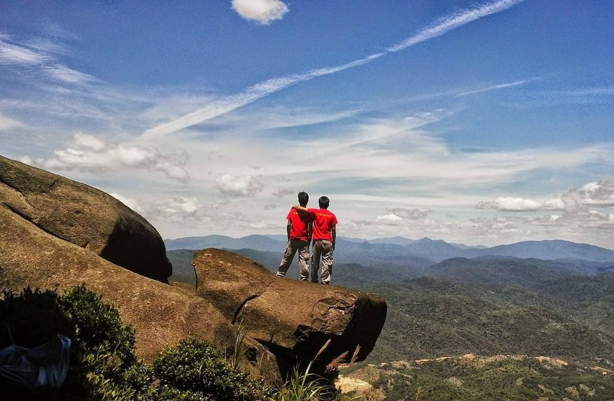Wanderlust Tips Magazine | 8 must-see places in Phu Yen in the afternoon