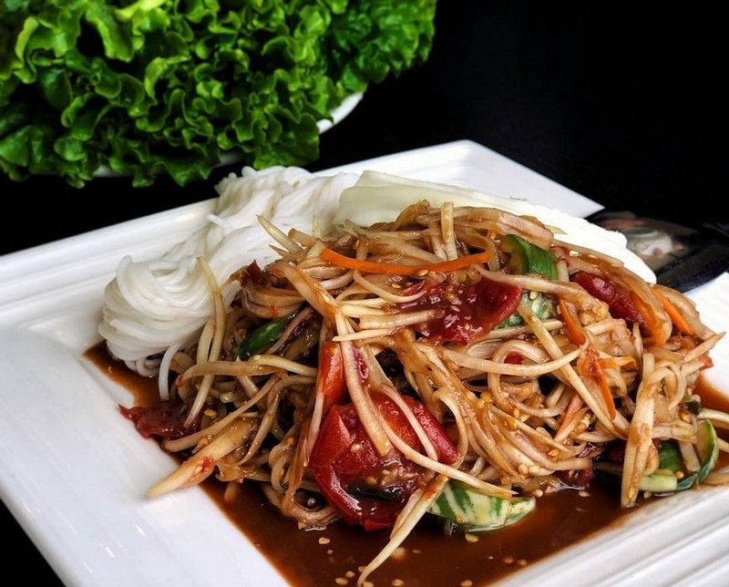 Wanderlust Tips Magazine | Vermicelli dishes in Hanoi: Full of beef with only VND25,000