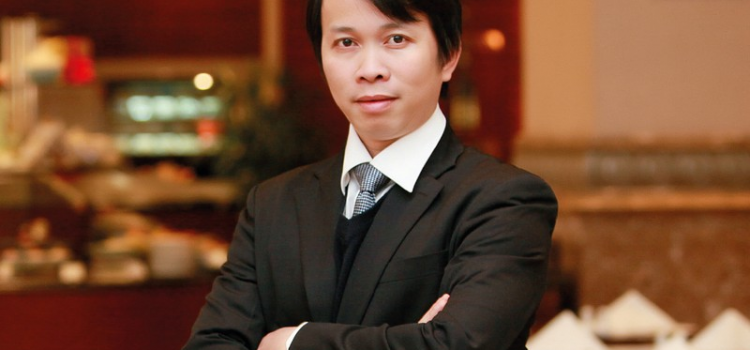 """Mr. Bui Van Chi – The Director of Oriental Sails : """"Choose a trip that suits your budget and is still full of experiences"""""""