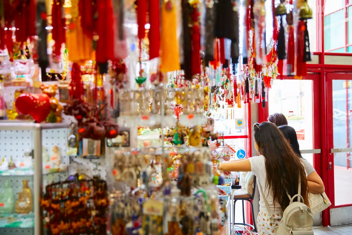 Wanderlust Tips magazine | Nostalgic tales from the markets