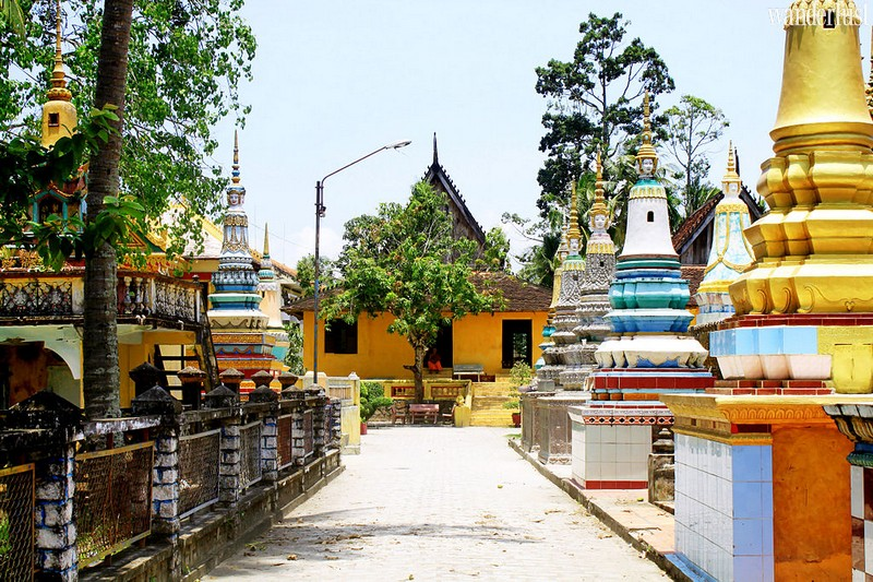 Wanderlust Tips Travel Magazine | The most stunning religious architectures in An Giang